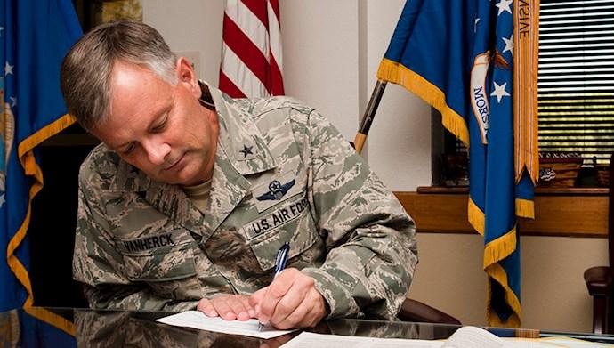 گلن وانهرک Glen D. Vanherck سپهبد نیروی هوایی آمریکا