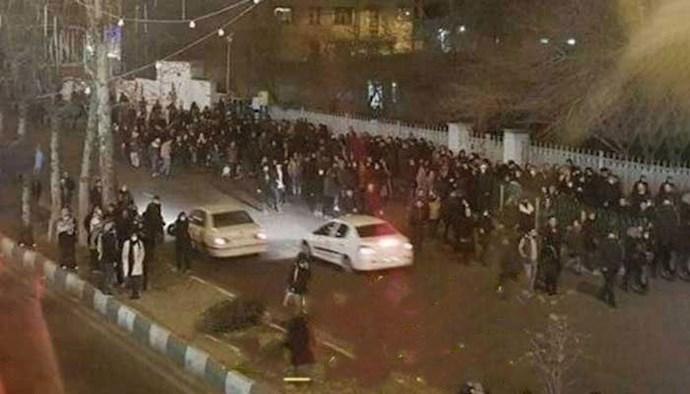 -تجمع خانوادههای اصفهانی جلوی زندان
