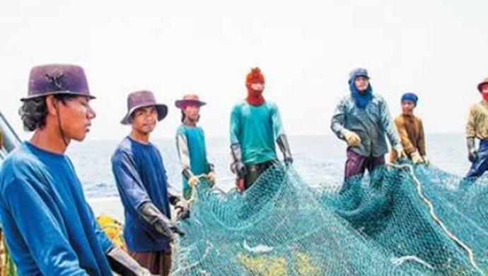 صید شبانه کشتی های چینی در خلیج فارس