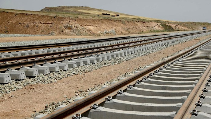 بیانیه جمعی از کارکنان و کارمندان راهآهن نسبت به وضعیت معیشتی