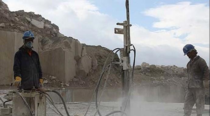 اعتصاب جمعی از کارگران ایذهای سنگ آهن بافق یزد