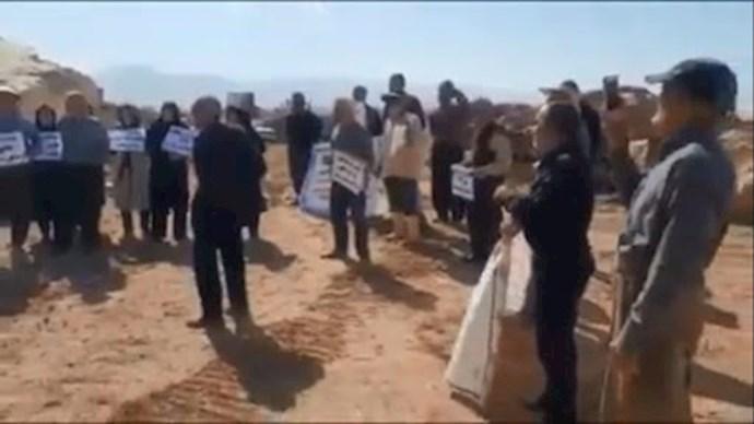 -تداوم تجمع اهالی روستای فاقلو شهرستان تکاب