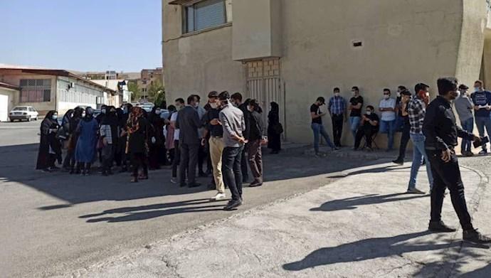 تجمع اعتراضی دانشجویان پزشکی دانشگاه علوم پزشکی شهرکرد
