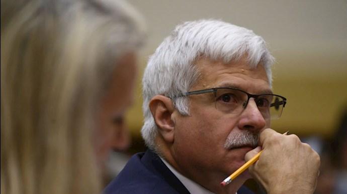 رابرت دسترومدیر امور دموکراسی و حقوق بشر وزارت خارجه آمریکا