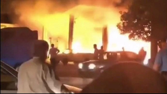 آتش سوزی پمپ بنزین تاکستان