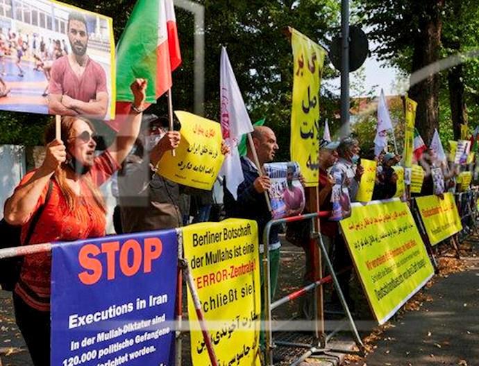 آسوشیتدپرس: تظاهرات در برلین علیه اعدام نوید افکاری - 1
