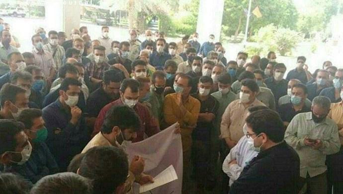 اهواز - تجمع اعتراضی کارگران بخش های مختلف شرکت برق ویس ( رامین)