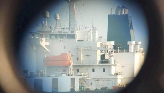 نفتکش ایران در حال بارگیری نفت ونزوئلا