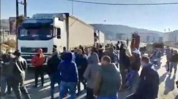 خشم مردم لبنان از حضور کامیونهای رژیم آخوندی