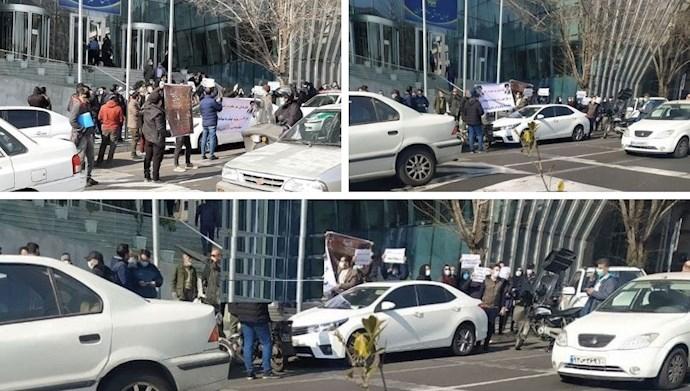 تجمع سهامداران بورس در تهران