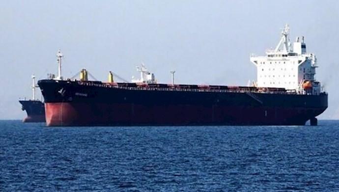 قاچاق نفت توسط رژیم ایران