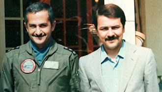 خلبان قهرمان سرهنگ بهزاد معزی در  کنار  مسعود رجوی رهبر مقاومت ایران