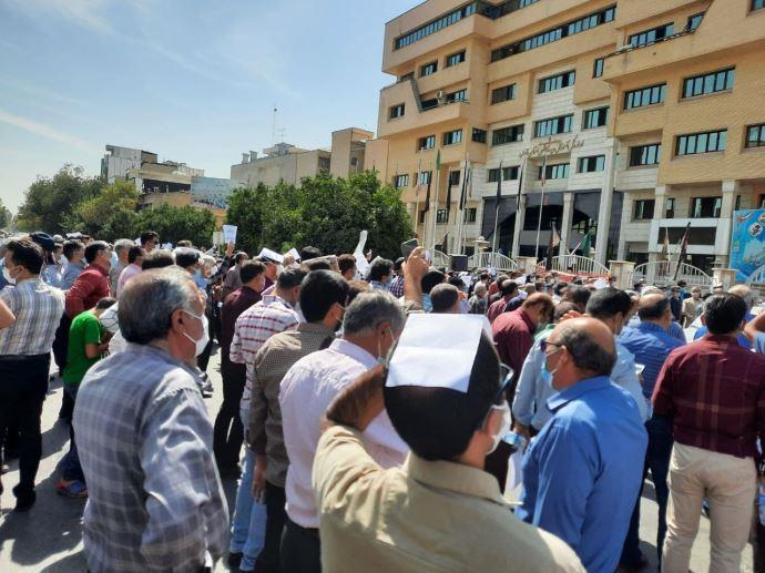 -تجمع اعتراضی معلمان شیراز