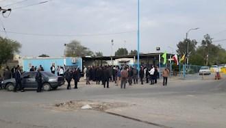 تجمع اعتراضی نیروهای پیمانکار شرکت عملیات غیرصنعتی بندر ماهشهر