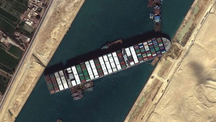 کشتی باربری آرگیون در کانال سوئز