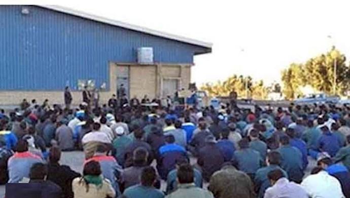 اعتصاب کارگران کارخانه لاستیک پارس ساوه