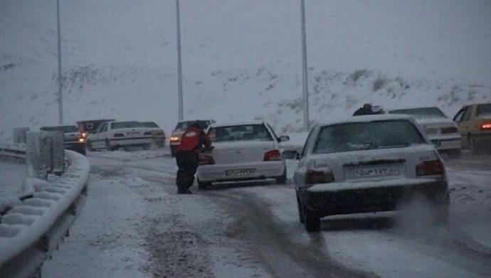 برف و کولاک در جادههای کشور