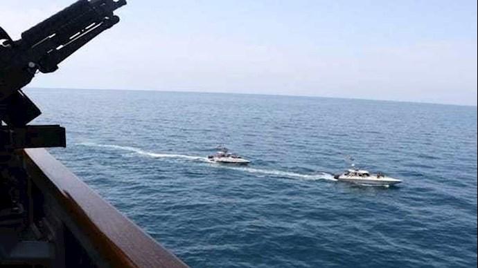 نزدیک شدن قایقهای سپاه به گشتیهای آمریکا