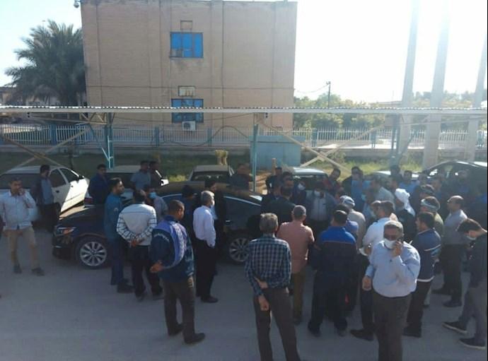 -اعتراض کارکنان اداره آبفا خرمشهر