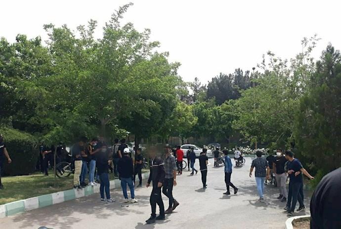 -اصفهان دانشآموزان