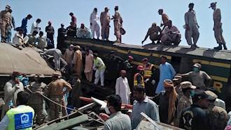 برخورد دو قطار در پاکستان