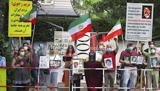 تظاهرات ایرانیان در  برلین مقابل سفارت رژیم علیه رئیسی جلاد قتل عام ۶۷