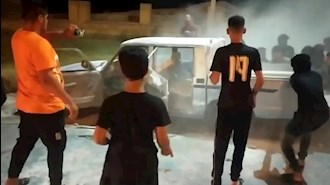 انهدام خودرو بسیج توسط جوانان شورشگر خوزستان