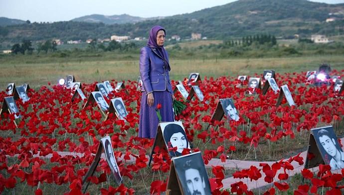 بازدید خانم مریم رجوی از یادواره سربداران سال ۶۷ و فراخوان به محاکمه بینالمللی خامنهای، رئیسی و اژهای به جرم نسلکشی و جنایت علیه بشریت - 4