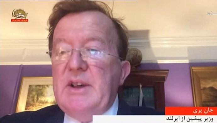 جان پری وزیر پیشین از ایرلند