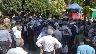 تجمع اعتراضی بازنشستگان هواپیمایی هما در تهران - ۱۵تیر۱۴۰۰