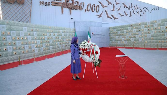 بازدید خانم مریم رجوی از یادواره سربداران سال ۶۷ و فراخوان به محاکمه بینالمللی خامنهای، رئیسی و اژهای به جرم نسلکشی و جنایت علیه بشریت - 18
