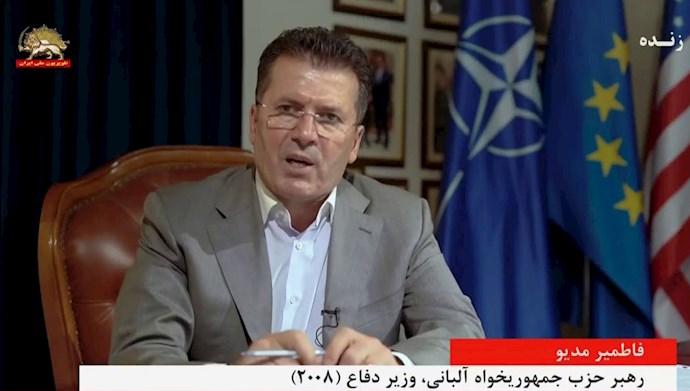 فاطمیر مدیو رهبر حزب جمهوریخواه آلبانی، وزیر دفاع (۲۰۰۸)