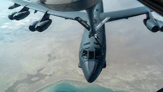 یک هواپیمای B-۵۲ نیروی هوایی آمریکا پس از سوخت گیری هوایی