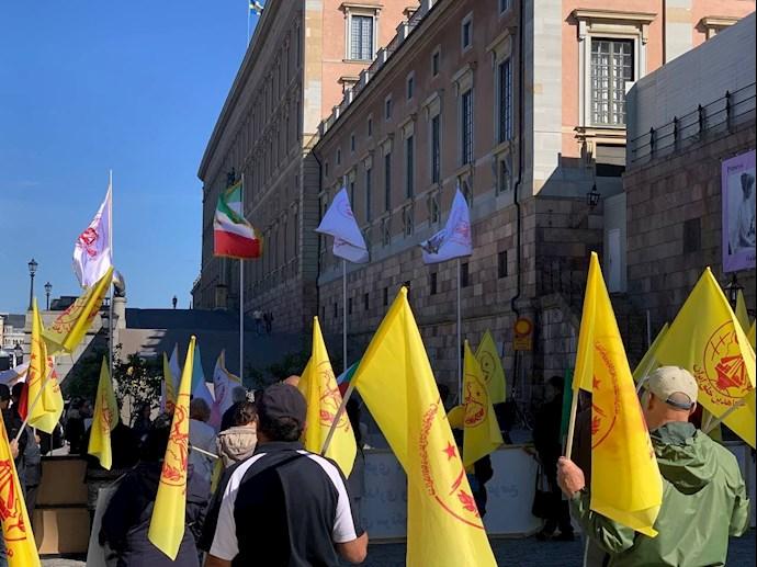 تظاهرات ایرانیان آزاده و بستگان مجاهدان سربهدار مقابل پارلمان سوئد -۹شهریور - 3
