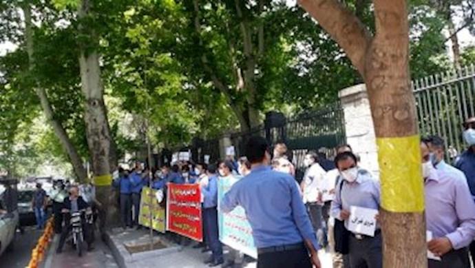 -تجمع کارگران پیمانی ۴ خط متروی تهران مقابل شورای شهر