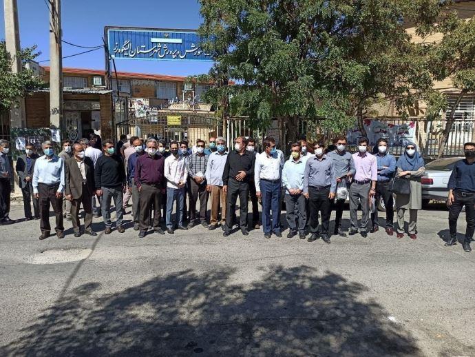 -اعتراض سراسری معلمان با شعار زندانی سیاسی آزاد باید گرددرالیگودرز