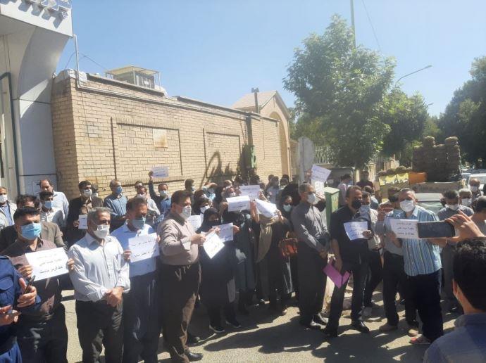 -تجمع اعتراضی معلمان سنندج- اول مهر۱۴۰۰